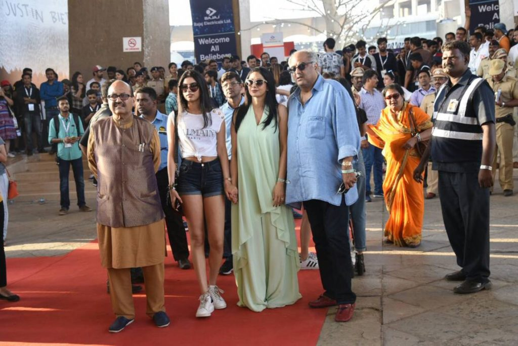Amar Singh with Jhanvi, Sridevi and Boney Kapoor. (Photo: Yogen Shah)