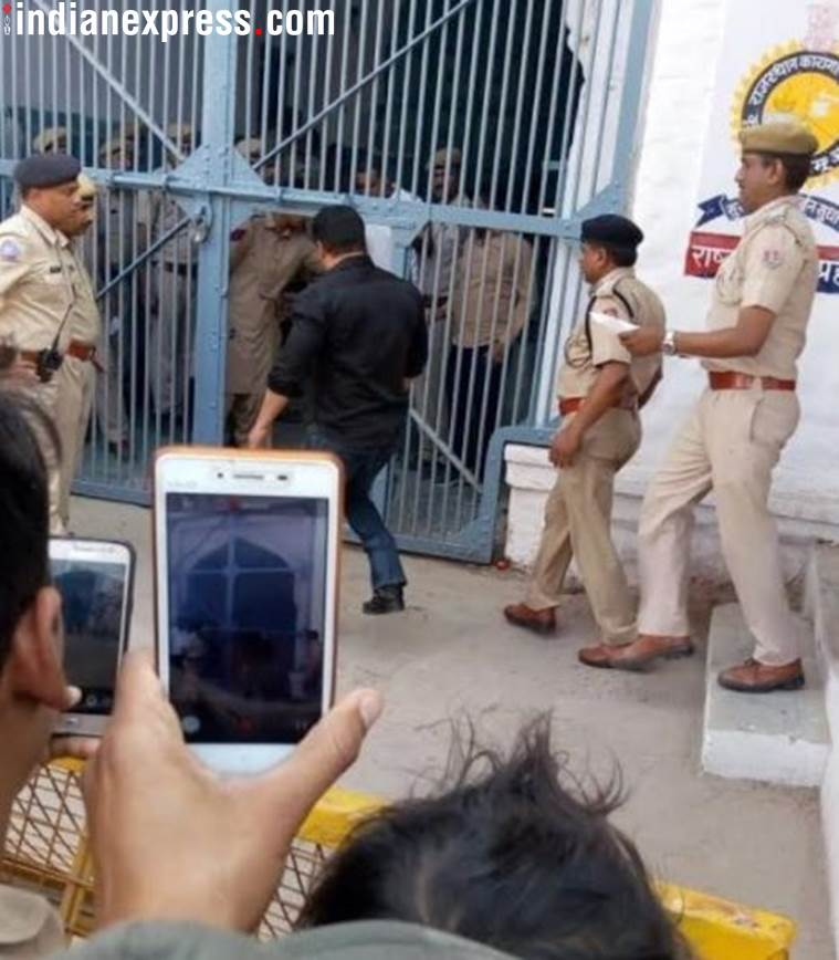 Salman Khan at the gate of Jodhpur Central Jail. (Express Photo by APH Images)