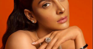 Saba Qamar close-up